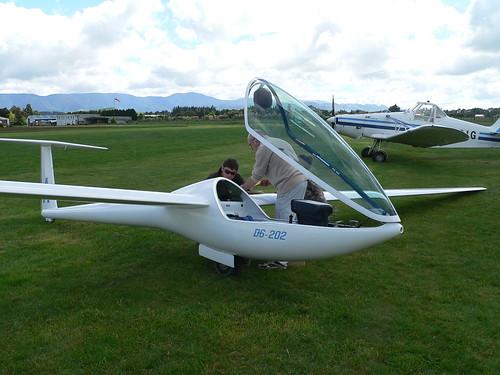 DG202 ZK-GSA being prepared for flight