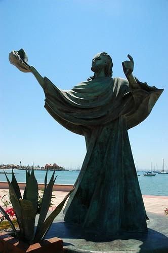 Statue of Neptune with a sea shell, Malecon statue, La Paz, Mexico by Wonderlane