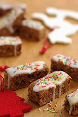 Honey Bread Cookies with sugar sprinkles (Thorsten (TK)) Tags: christmas xmas winter red food brown white holiday weihnachten festive colorful advent sweet traditional seasonal decoration gingerbread christmastree spices german bakery almonds sweets icing rockinghorse currants christmascookies lebkuchen trimmings traditionalfood gebck foodphotography foodpresentation korinthen winterly weihnachtsbckerei weihnachtskekse weihnachtsgebck xmascookies honigkuchen christmasfood weihnachtsbaeckerei honeybread zuckerstreusel germanchristmascookies xmasfood xmassweets christmassweets traditionalcookies thorstenkraska germanchristmasfood tradtinional germanfoodtradition germanchristmasbakery weihnachtsbkerei germanxmascookies germanchristmassweets christmasfoodingermany germanychristmascookies