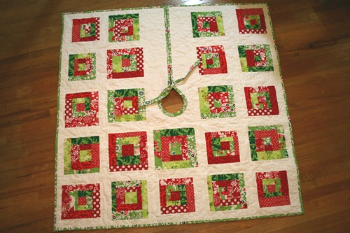 quilted tree skirt front