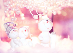 Happy New Year ! explored (claudiaveja) Tags: christmas eve sky white snow playing ski boys smile smiling kids laughing ceramic toys photography togetherness skiing father images newyear figurines together license figurine transylvania merrychristmas celebrate happynewyear 2010 clujnapoca royaltyfree impersonating rightsmanaged claudiaveja