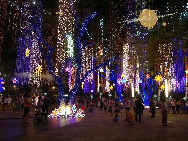 Ayala triangle's Festival of Lights