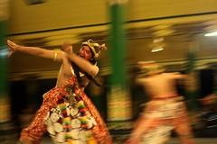 Pernikahan Adat ala Kerabat Kraton Yogyakarta (luciustori) Tags: budaya kraton perang tarian penari tariklasik