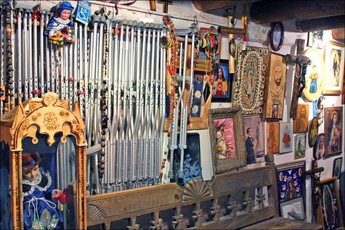 Crutches at El Santuario