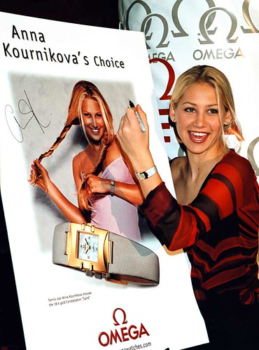 anna_kournikova_in front of her omega advertisement