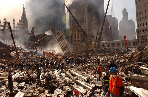フリー画像| ニュース系| 9.11 アメリカ同時多発テロ| ワールドトレードセンター| アメリカ風景| 破壊|      フリー素材|