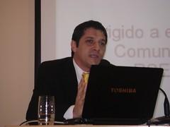 Juan José Larrea