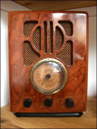 1930s repro radio