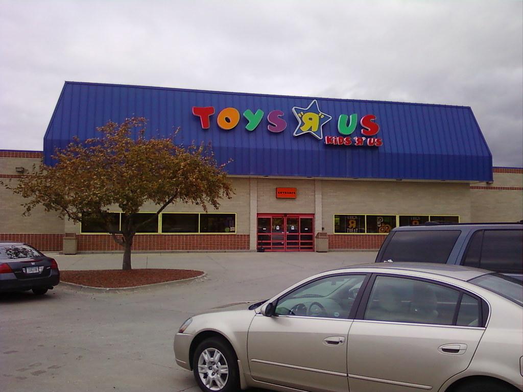 Toys R Us - Clive (Des Moines), Iowa - Store Front