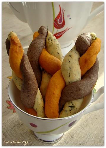üç renkli tuzlu kurabiye