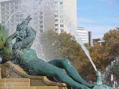 Philadelphia (Dan_DC) Tags: sculpture woman art philadelphia water fountain beauty statue bronze publicspace nude pennsylvania centercity virtue spray pa philly publicart gilded noble publicsculpture highercause