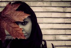 بوي خاك خيس (Arezoo K Novin) Tags: girl leaf iran iranian ahmadi rezvan