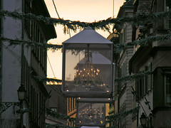 Marché de Noël à Strasbourg (Edouard55) Tags: france marchédenoël strasbourg alsace baccarat cristal lustre クリスマスマーケット ストラスブール ストラスブールのクリスマスマーケット