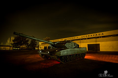 CARRO DE COMBATE LEOPARD 2E. LIGHTPAINTING. EL GOLOSO (PEDRO PÉREZ FERNÁNDEZ) Tags: basemilitarelcolosomadrid lightpainting nocturnas tanques base militar el coloso madrid light painting carros convate goloso leopard long exposure larga exposicion caaro combate ejercito tierra nocturne tanks cars converse he greedy exposition combat army earth