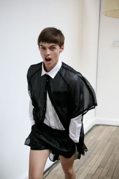 Robbie Wadge351_SS10_Paris_Jun.J BS(MODELS.com)