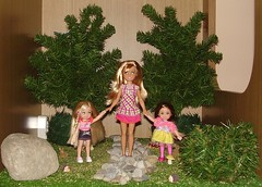 Passeggiata nel parco (Cici-chan) Tags: wood forest stacie doll dolls barbie kelly mattel
