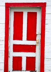 variation sur le rouge 2 (Photos_BiblioPhiLe) Tags: door red rouge space redspace porte