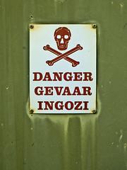 Danger Gevaar Ingozi (von_brandis) Tags: red green danger warning skull symbol icon information pictogram crossbones skullandcrossbones rustycrusty vonbrandis brandtbotes dangergevaaringozi