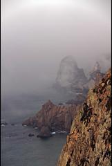 Cabo da Roca (: metamorfosis :) Tags: portugal mar paisaje niebla rocas oceano cabodaroca boira lanarizdelmapa elpuntomsoccidentaldeeuropa