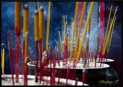 Vietnam (Stphane THOMAS et la photo) Tags: temple religion vietnam templo incense incienso encens religin