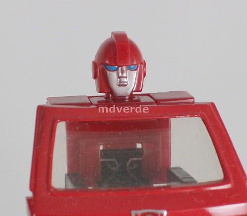 Transformers Ironhide Encore G1 - modo robot con cabeza
