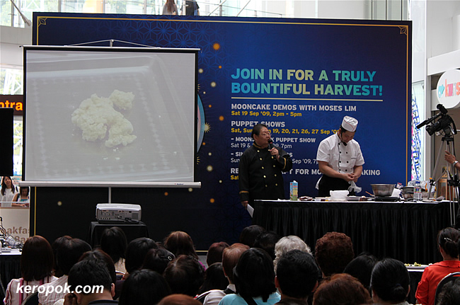 Mooncakes Demos with Moses Lim