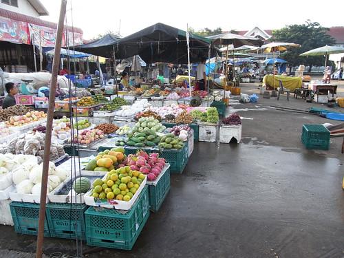 Market in Pakxe