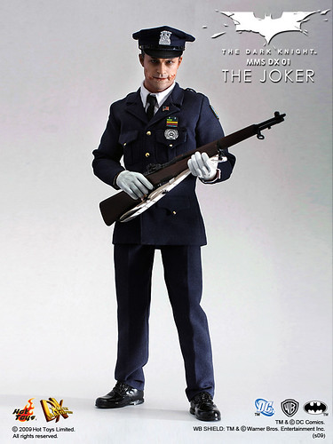 Hot Toys – MMS DX 01 – The Dark Knight – 1/6th scale The Joker collectible figure