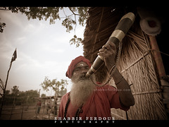 Sadhu with Buffalo Horn (Shabbir Ferdous) Tags: portrait people man photographer shot priest bangladesh canonef2470mmf28lusm puja sadhu bangladeshi sundarban buffalohorn rashmela canoneos5dmarkii shabbirferdous dublarchor rashpurnima holydots wwwshabbirferdouscom shabbirferdouscom