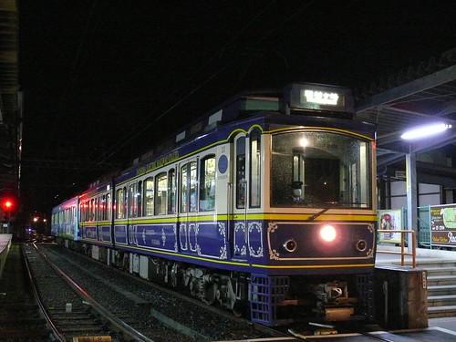 江ノ電10F+2003F稲村ヶ崎行き最終電車@長谷