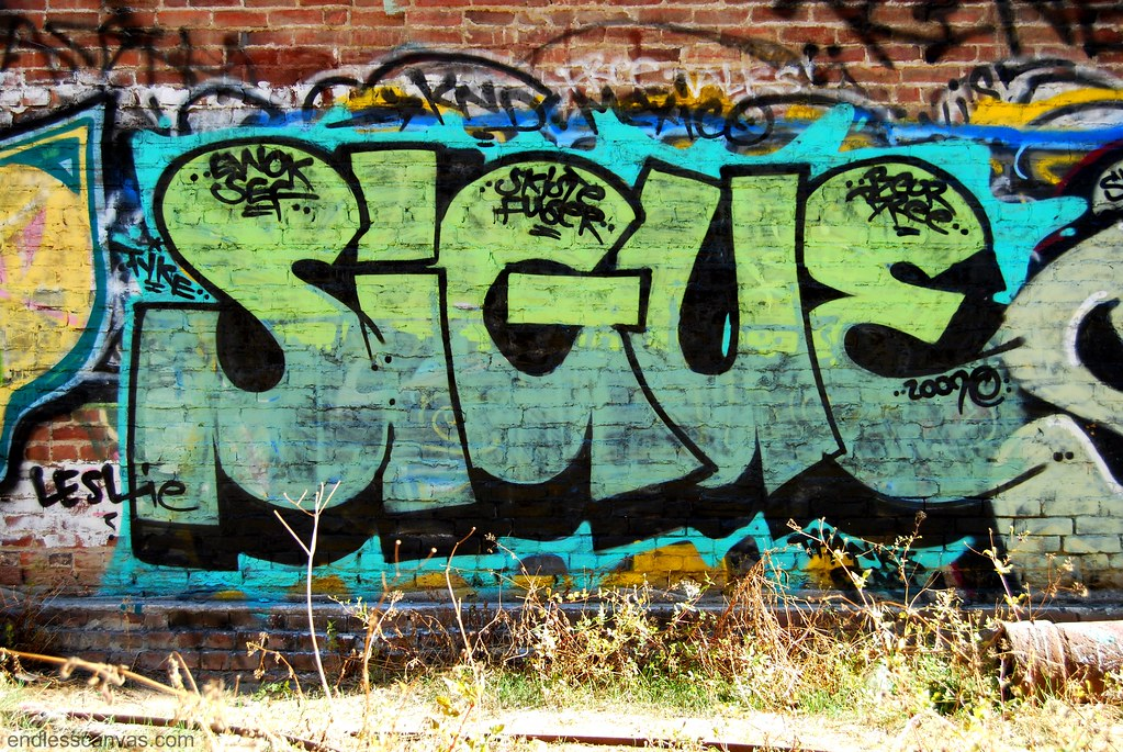 Sigue Graffiti Piece in Santa Ana, Orange County, California.