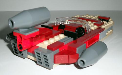 2010 LEGO Star Wars 8092 Luke's Landspeeder