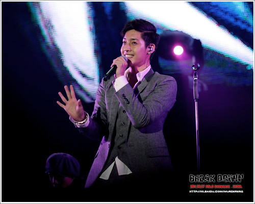 "Kim Hyun Joong ""Break Down"" Showcase Extended [110607]"
