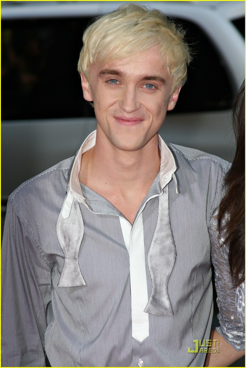 tom-felton-hot-topic-10