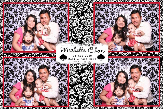 113797-custom-poof_middle by Poof Photobooth