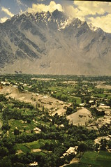 Skardu (petelovespurple) Tags: june1988 skardu slidecopies k2trek