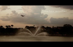 Num fim de tarde, chegando a uma cidade chamada Belo Horizonte. (Raylson Martins) Tags: brazil brasil aeroporto belohorizonte lagoa avio bh pampulha bemflickrbembrasil