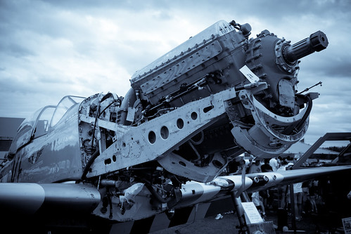 Warbird picture - P-51 Engine