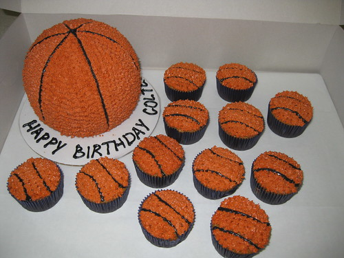 Basketball cake and cupcakes