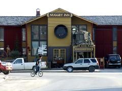 Nugget Inn (Travis S.) Tags: cars bike alaska hotel town inn downtown village south nome survey sewardpeninsula nuggetinn stewartriver nomenuggetinn stewartrivericepatchsurvey