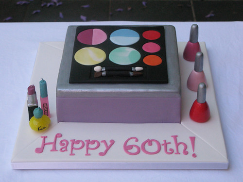 Make-up box 60th Birthday cake