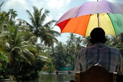 The Captain and his Umbrella (joh) Tags: india kerala alleppey