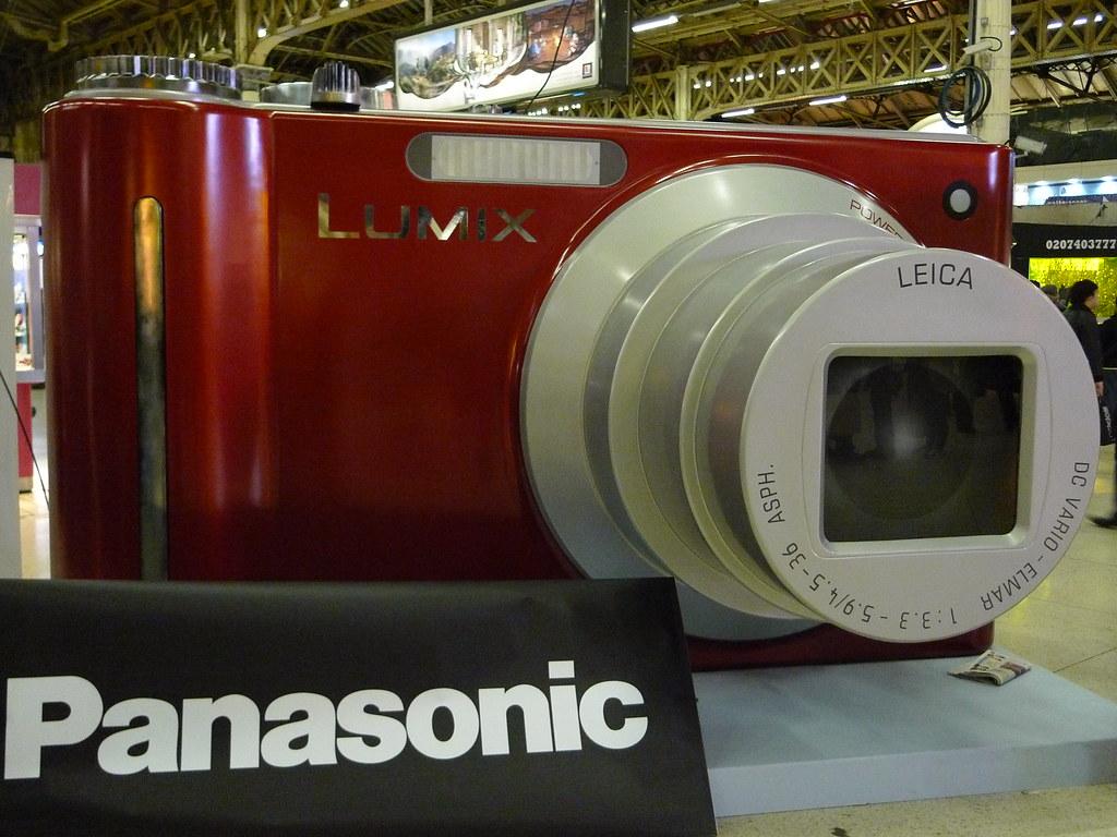 Interesting Giant Panasonic Lumix Camera Advert advertisement at Victoria Station London England P1040573