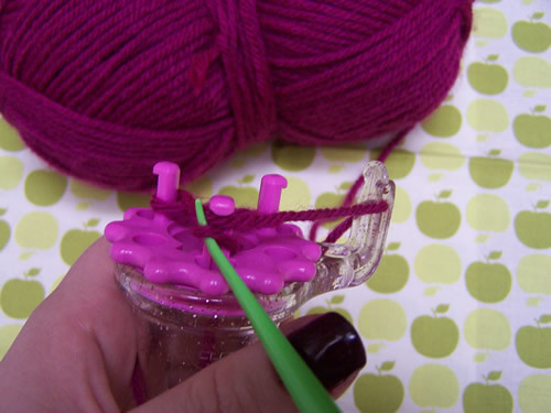 Clover Wonder Knitter: step 3 continued