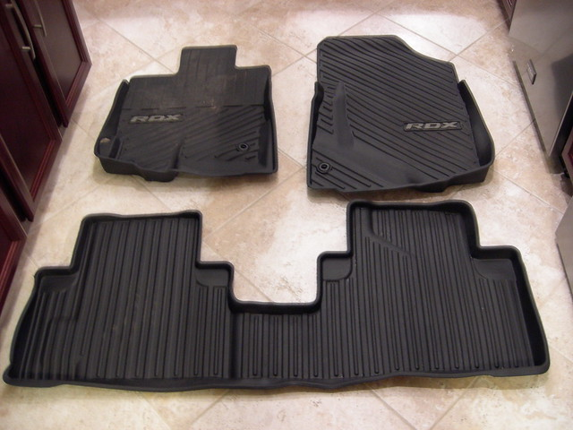 Closed Acura Rdx All Season Floor Mats 2010 Like New