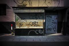 graffito (komehachi888) Tags: kobe zeisscbiogon21mmf45 sonyalpha7r voigtlandervmeclosefocusadapter