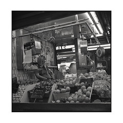boqueria 1 • barcelona, catalunya • 2016 (lem's) Tags: boqueria market marché vendeuse seller barcelone barcelona catalunya catalogne catalonia spain espagne zenza bronica