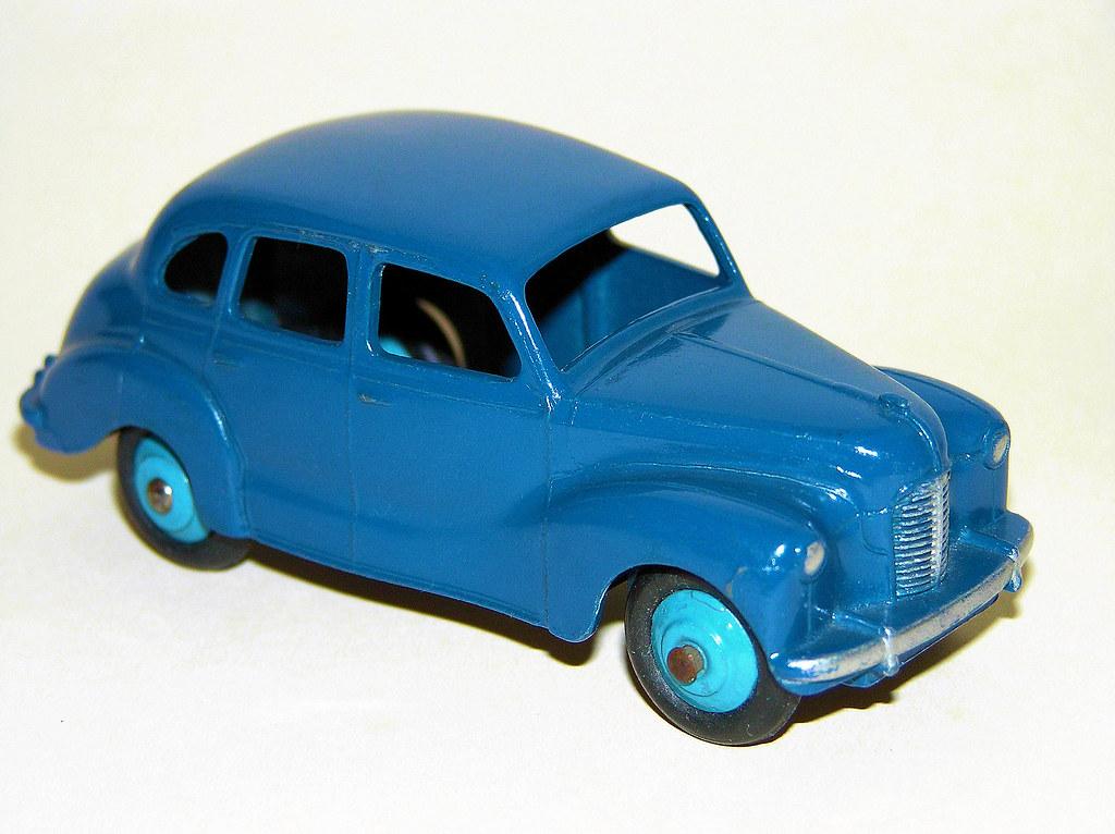 Dinky Toys - 1947-52 Austin A40 Devon Saloon (#40D or #152)
