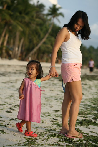 Cacing with her Mom at Station 3 Boracay