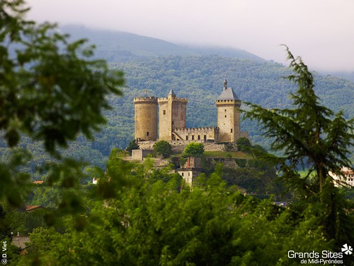Foix, the end of the Cathar Trail from Languedoc-Roussillon to the Midi-Pyrénées. Photo: Tourisme Midi-Pyrénées